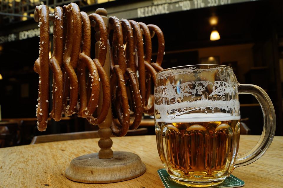Beer, Pretzel, Restaurant, Food, Drink, Meal, Eating