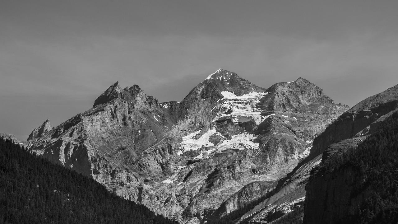 Уральские горы картинки черно белые