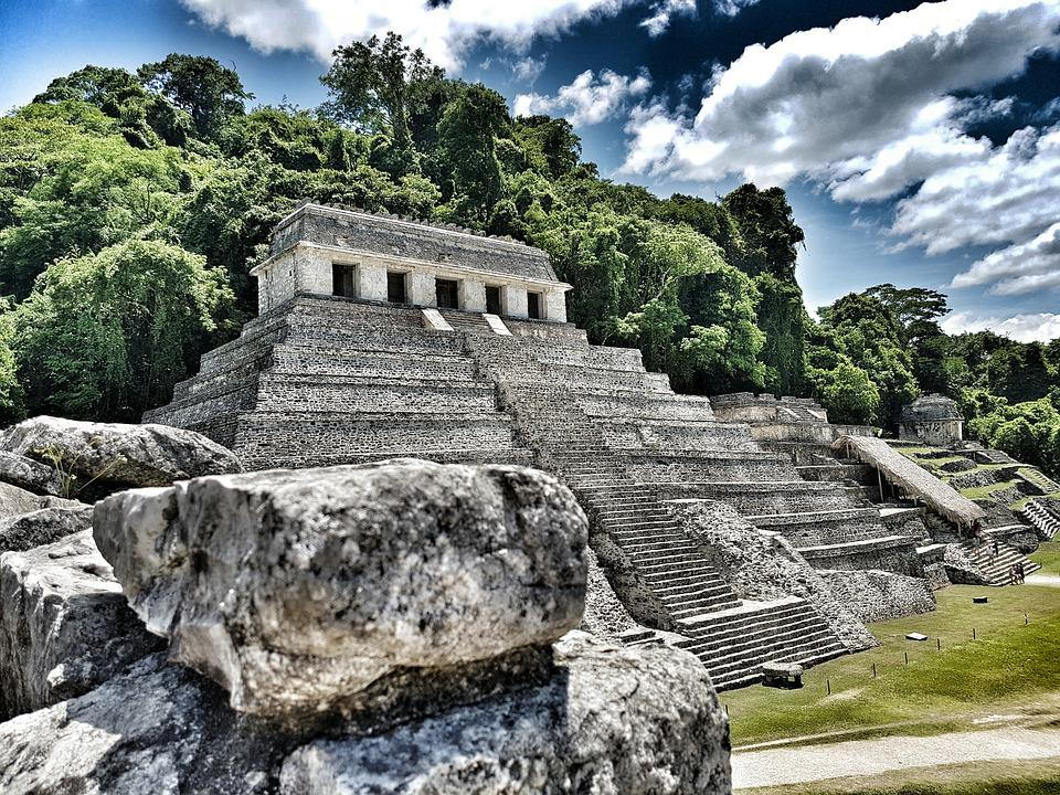 Beautiful temple in palenque