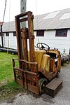 tractor, dilapidated, fork lift