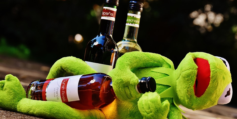 Free photo: Kermit, Frog, Wine, Drink, Alcohol - Free ...Kermit Drinking