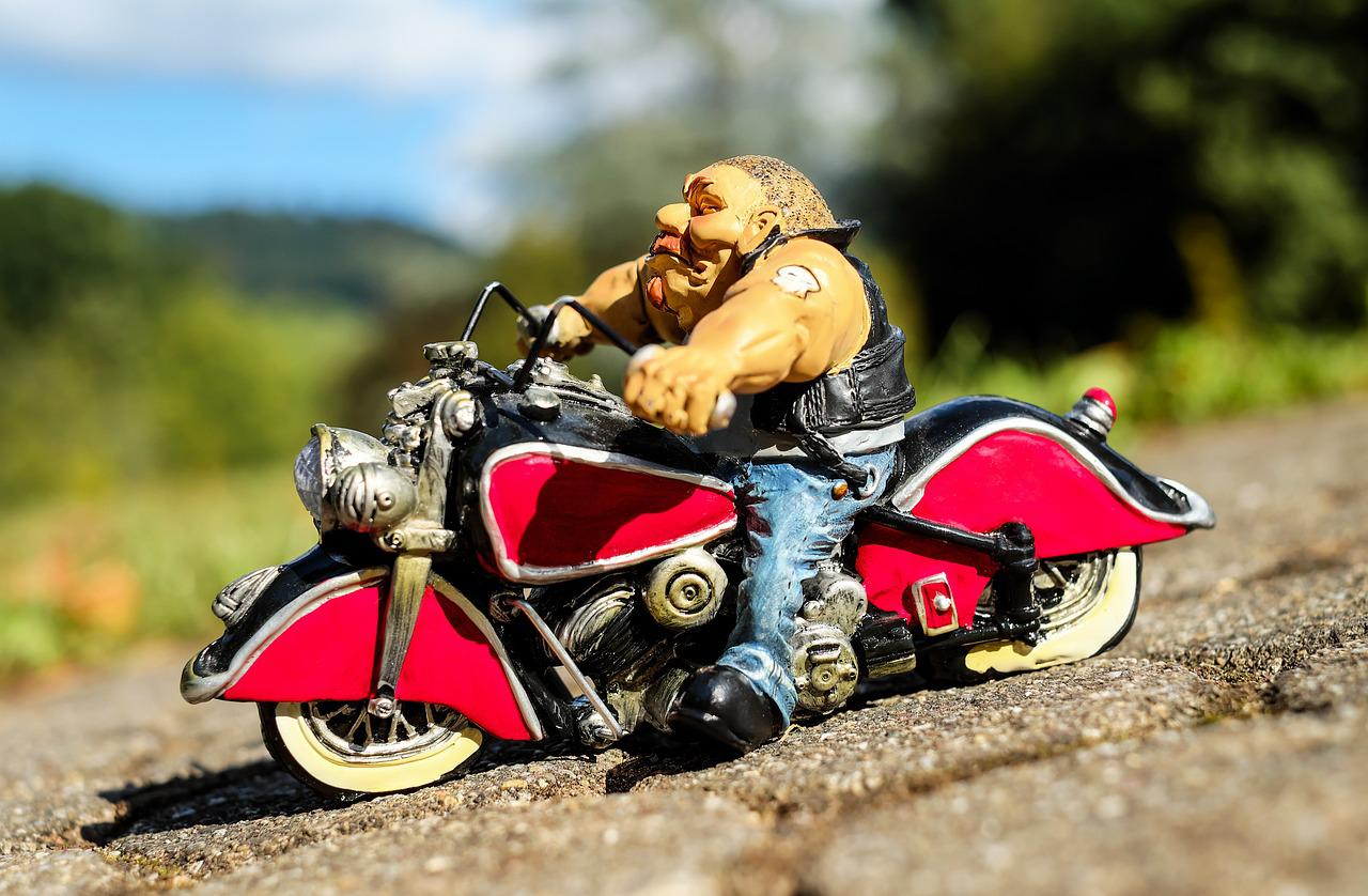 удалять фото на день мотоциклов доставкой