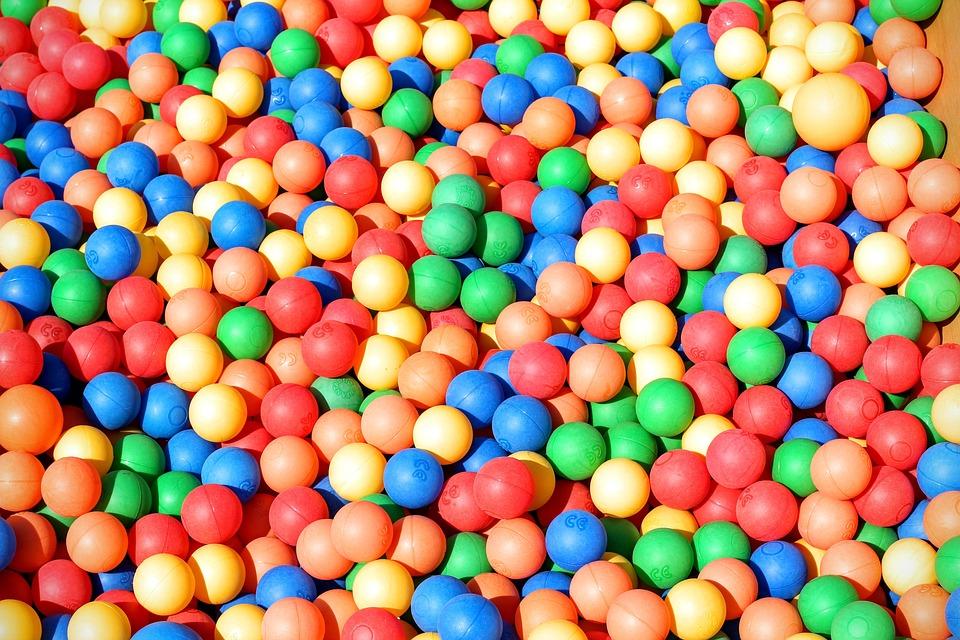 Gratis foto ballenbak ballen kleurrijke gratis for Piscina de bolas toysrus
