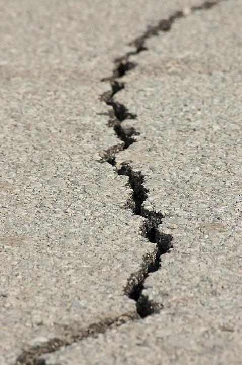 Earthquake, Fracture, Asphalt, Split