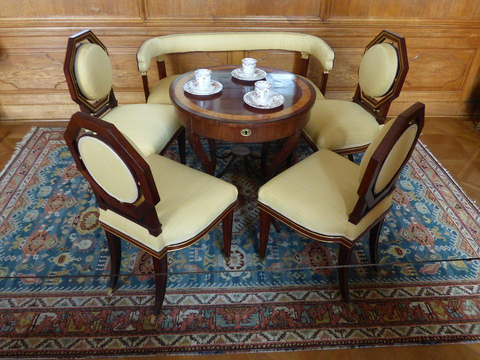 Photo gratuite ensemble chaise chaises table image for Muebles viejos baratos