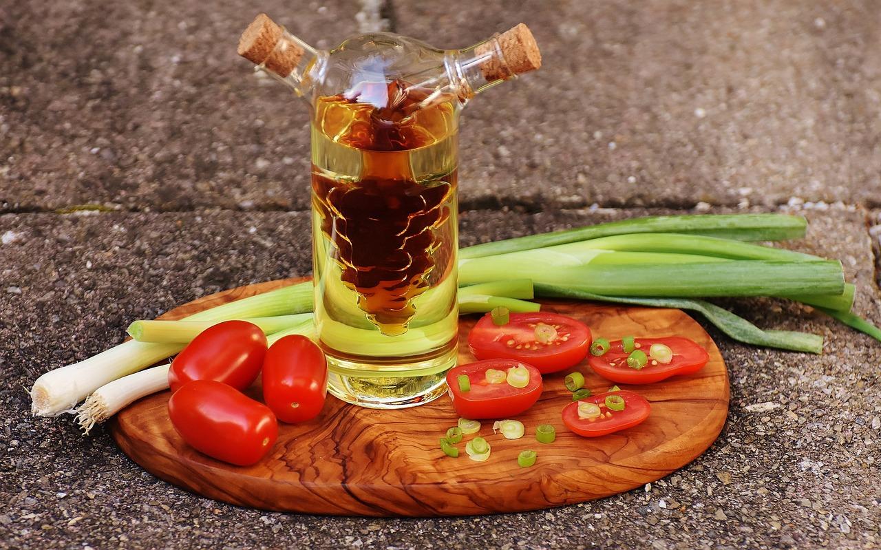 醋,油,蕃茄,洋葱,葱,食品,瓶,健康,蔬菜,美味,红色,韭菜,吃,新鲜,樱桃番茄,沙拉,厨师