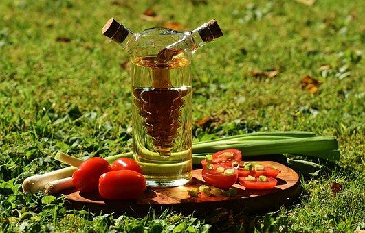 Vinegar, Oil, Tomatoes, Onions