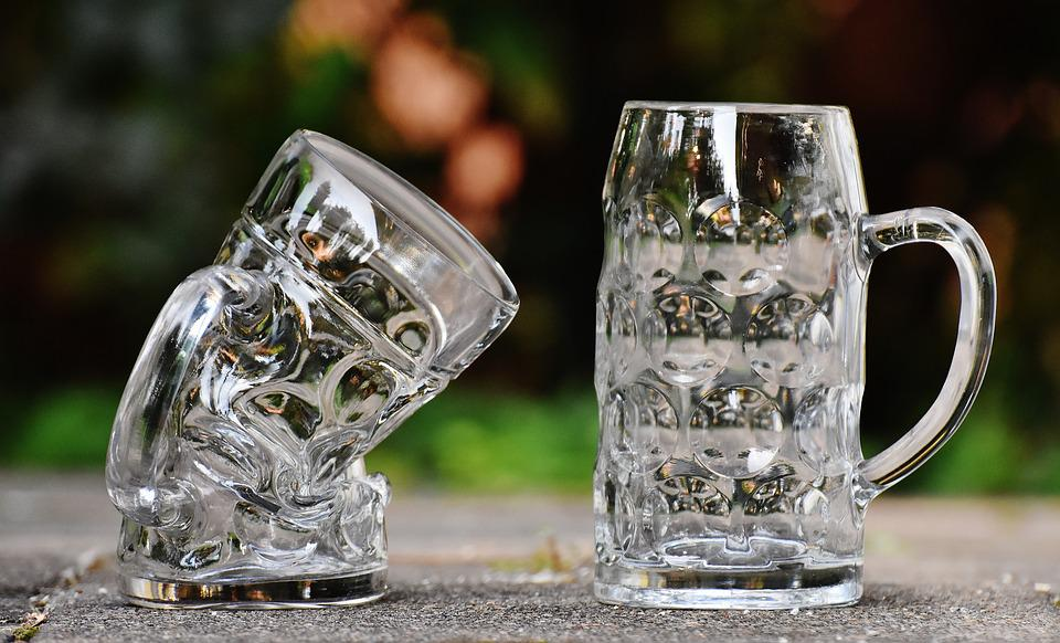 beer mugs deformed kink funny glass