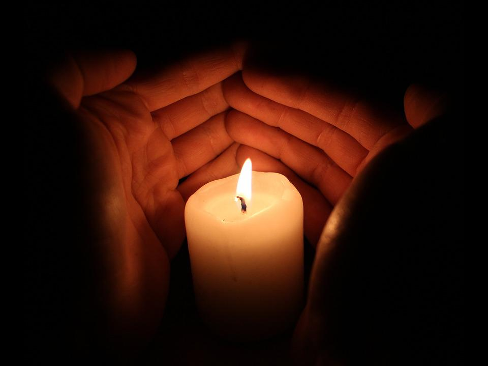 光, キャンドル, 手, 炎, 火, 泊, 燃焼, ブラック, ロマンス, 明るい, ろうそくの光で