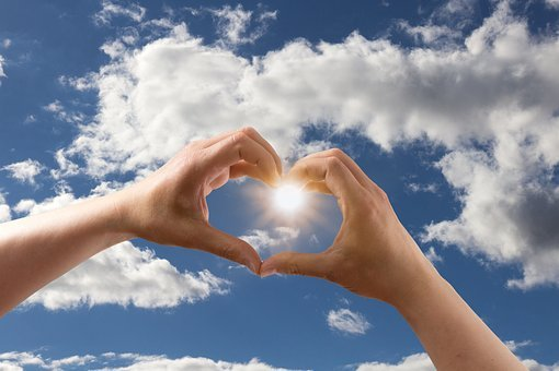 愛, 心, フォーム, 手, 維持, 空, 雲, 青, ブルー, 太陽, 日光