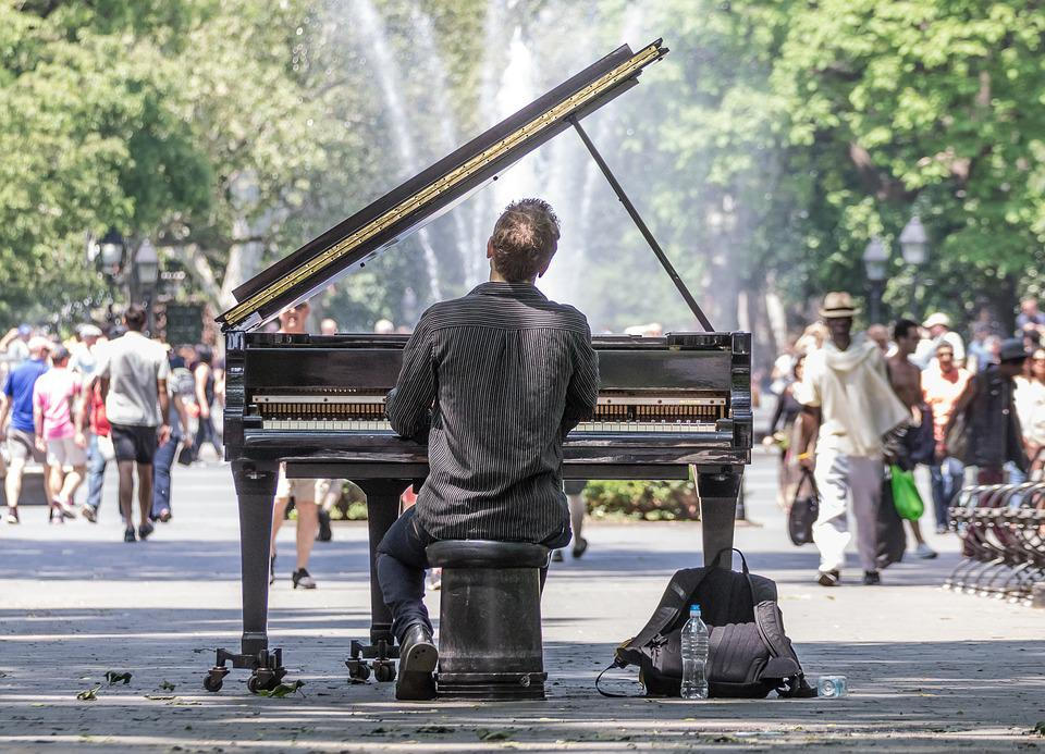 15 Best Reasons to start learning piano - New York park