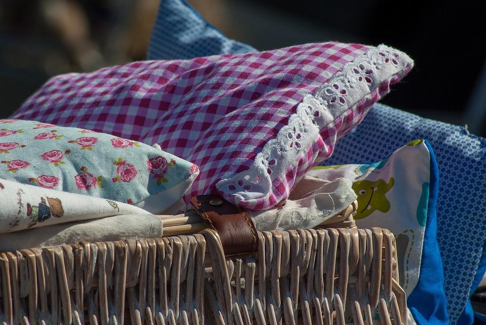 Flohmarkt Kissen Bettwäsche Kostenloses Foto Auf Pixabay