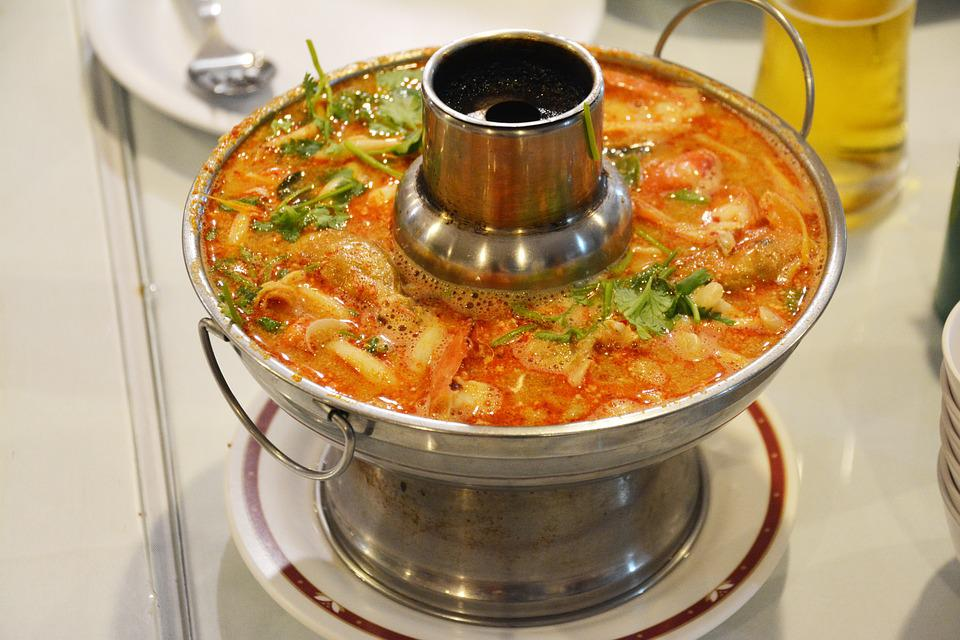 Taste the spicy and sour soup that represents Thailand, Tom Yam Goong! Source: Pixabay