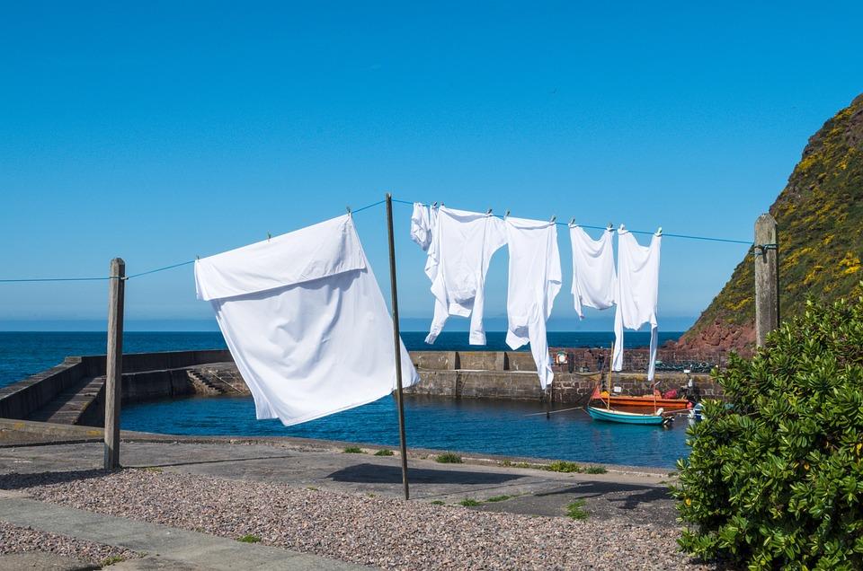 青, 洗濯, 服のライン, 乾燥, 洗濯はさみ, ハング, 綱, 洗濯物を干し, 白洗い, 外, 洗浄, 空