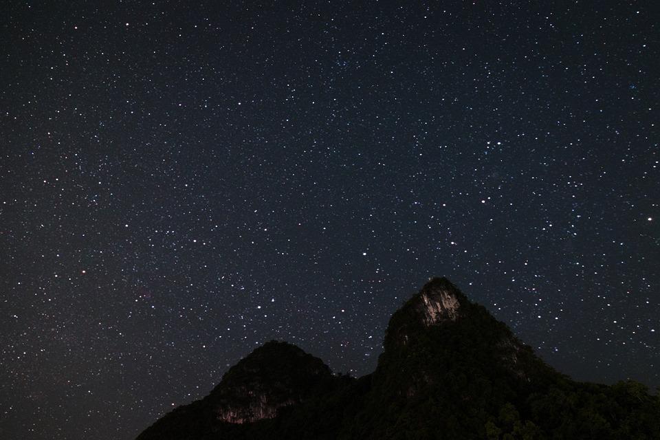 starry-sky-1687150_960_720.jpg