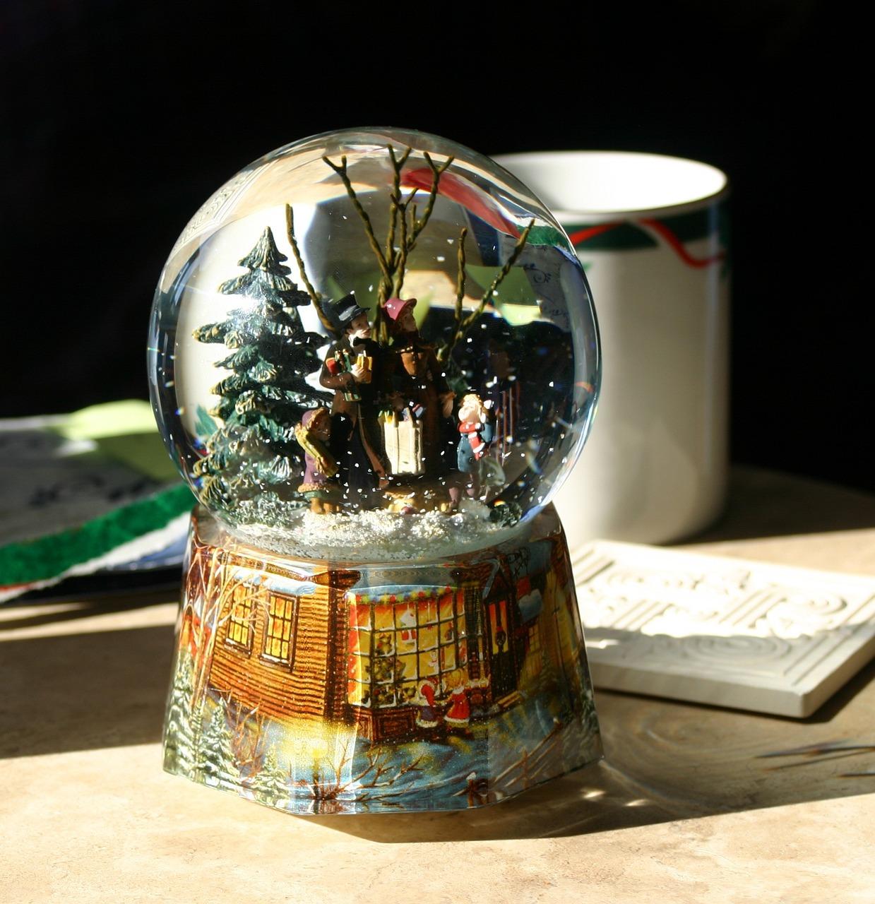 открытка стеклянный шар время