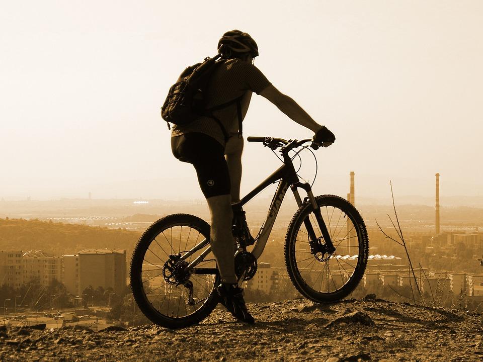 Do práce na bicykli za lepším zdravím? Za pokus to stojí