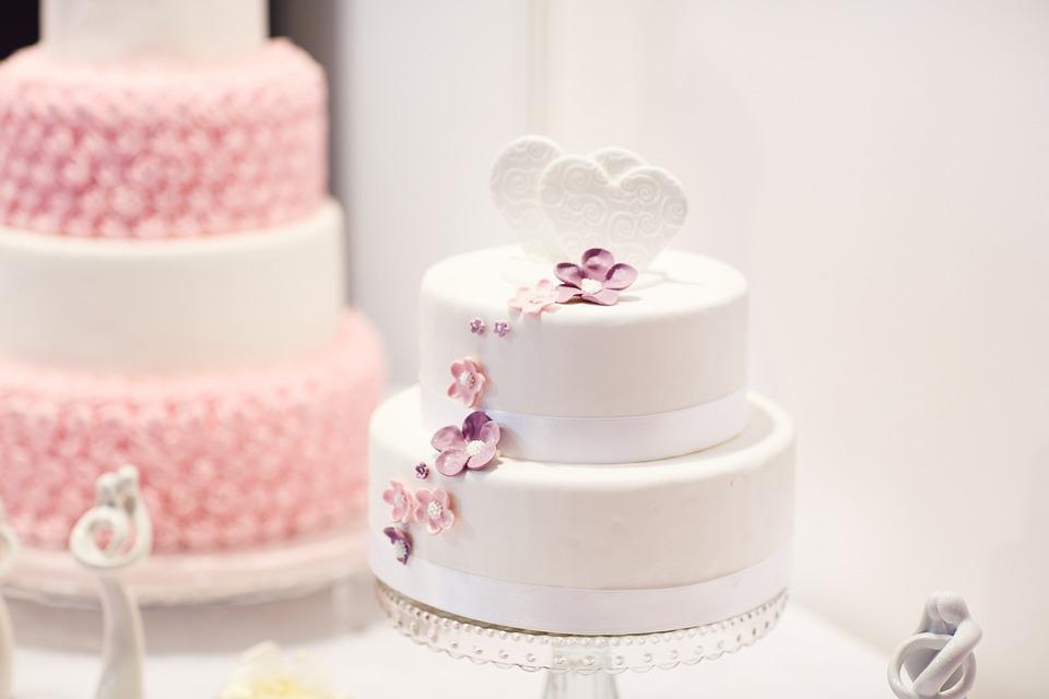Wedding Cake Debut White