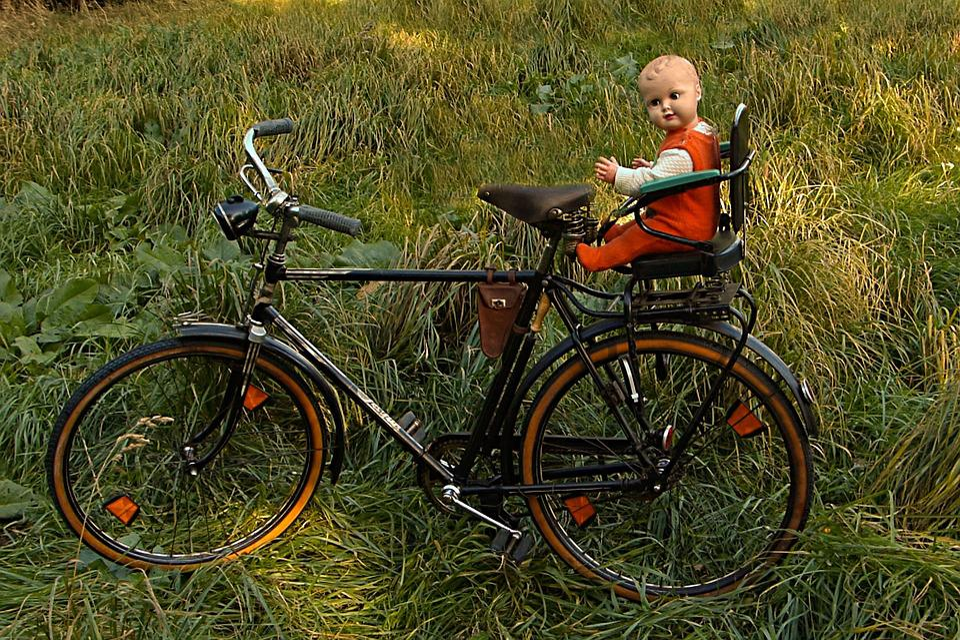 puppen kindersitz f r fahrrad puppensitz f r fahrrad in. Black Bedroom Furniture Sets. Home Design Ideas