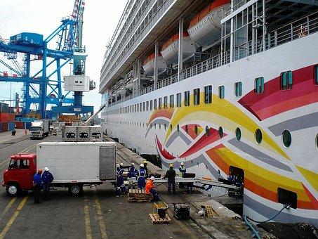 Barco De Cruceros, Quay