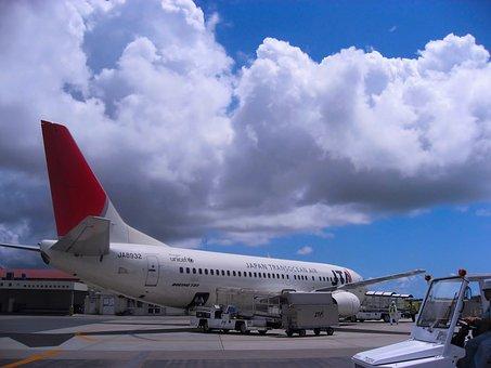 旅客機, ジャパン トランス オーシャン エアー, 日本トランスオーシャン航空