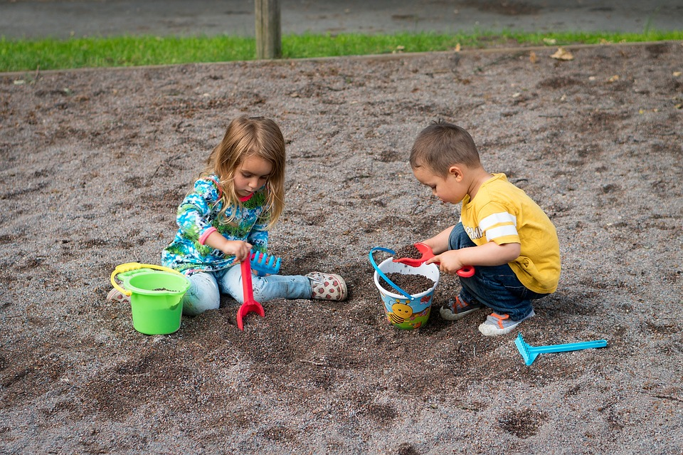 年代別ゴールデンウィークに子供と家で楽しく過ごすアイデア 砂遊び 泥遊び