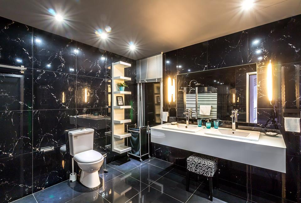 20 Luxury Small Bathroom Design Ideas 2017 2018: Hotel Bathroom Interior · Free Photo On Pixabay