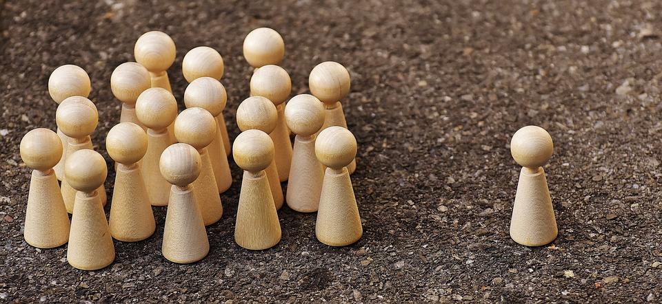 Uno Contro Tutti, Tutti Contro Uno, Discussione