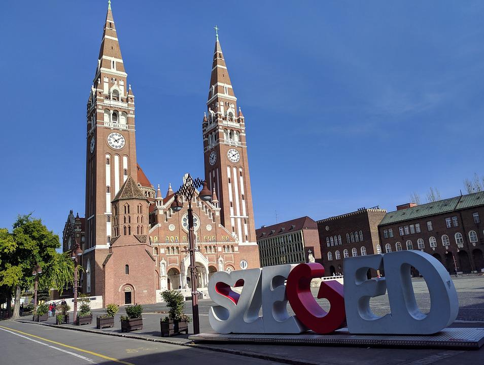 Programozó képzés Szegeden is szép számmal várja az érdeklődőket.