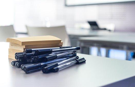 des post-it, des crayons : ça suffit pour appliquer la technique des post-it à l'écriture