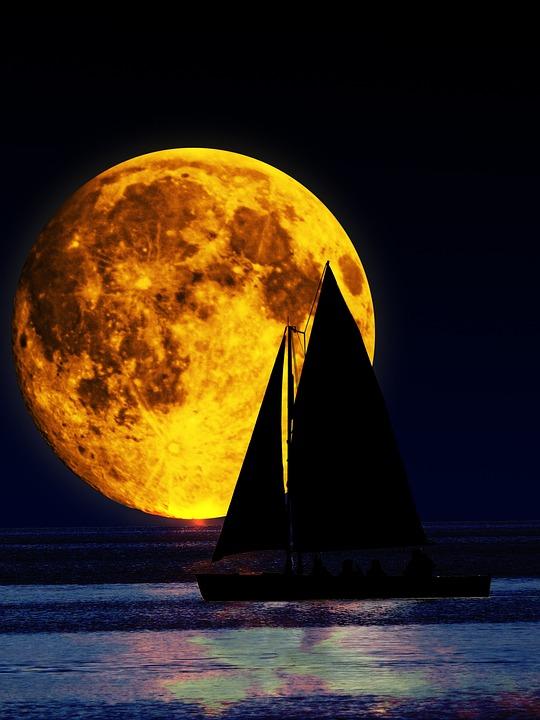 фотография тающей луны
