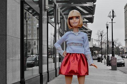 バービー人形, ポーズ, 市, おもちゃ, スカート, 都市, ライフスタイル