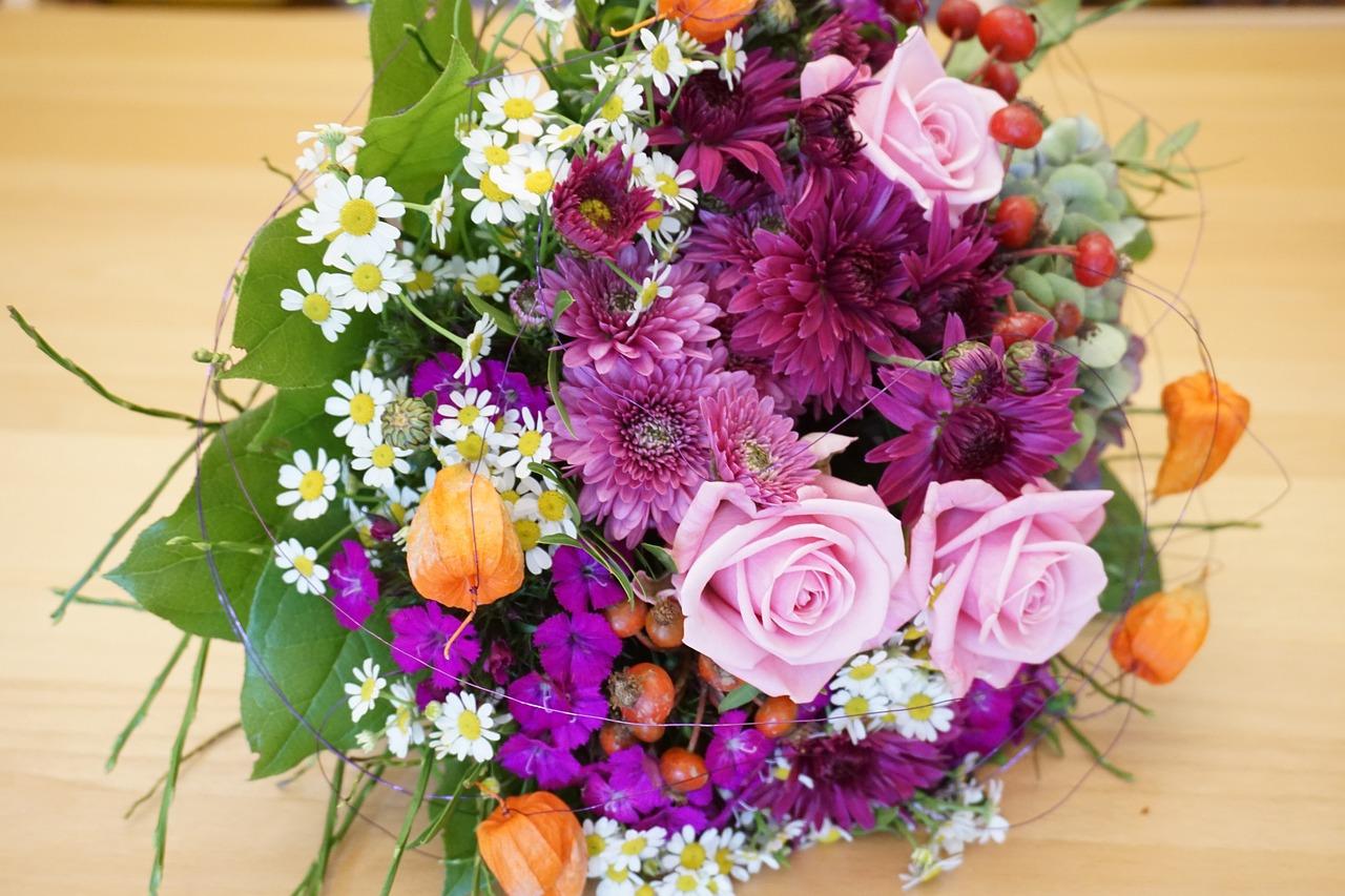 коротких фото красивых букетов цветов сохранить помогают