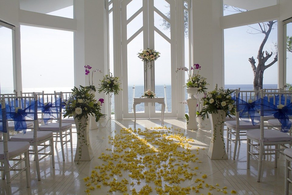 How To Find An Affordable Wedding Venue?