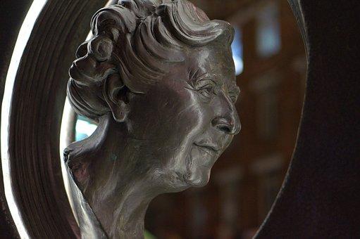 Agatha Christie, Monumento, Christie