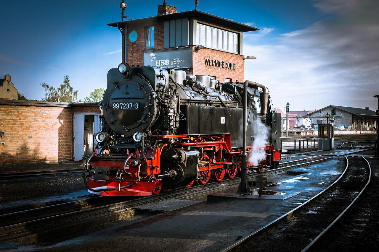 фотографии старых паровозов нашей компании это