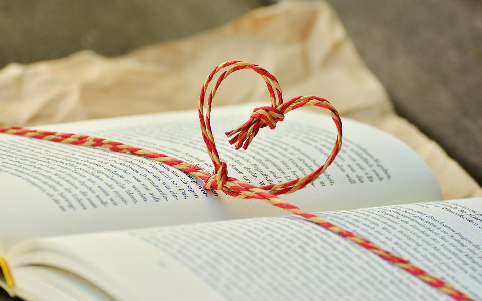 Livro, Presente Livro, Coração, Dom, Leitura, Dar