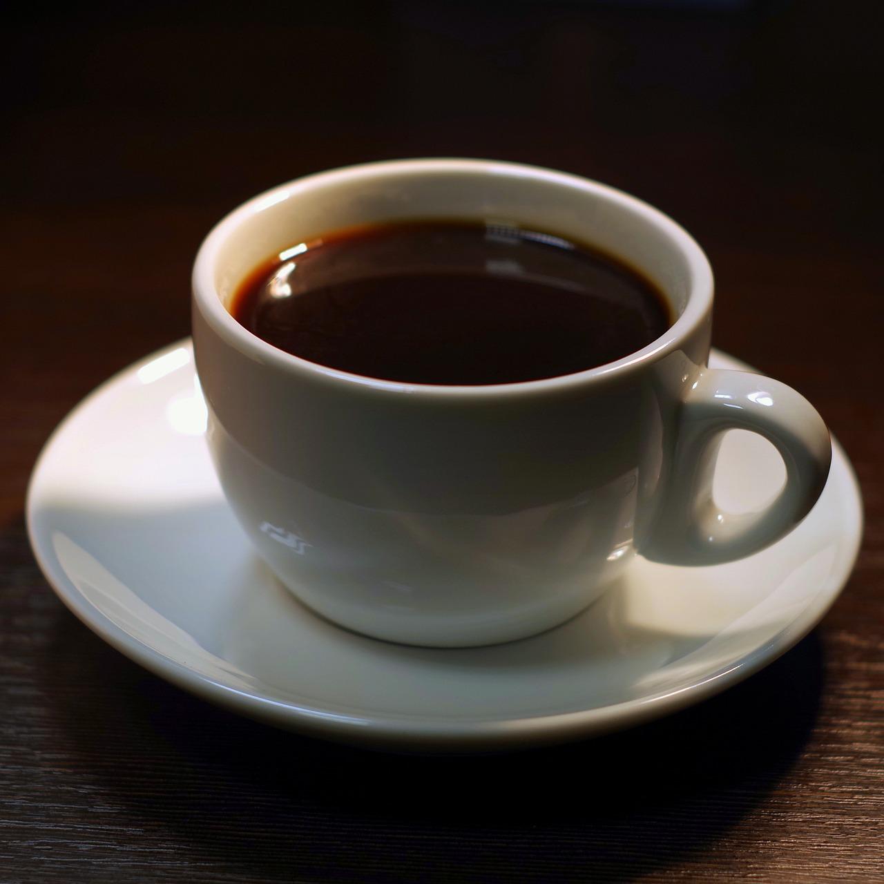 Черный кофе фото в чашке