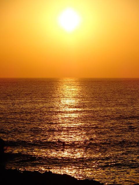 Маяк океан