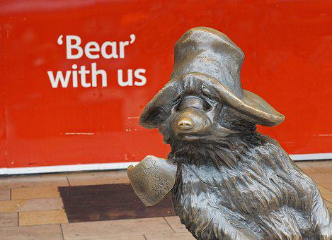 Paddington, Bear, Bear With Us, Station