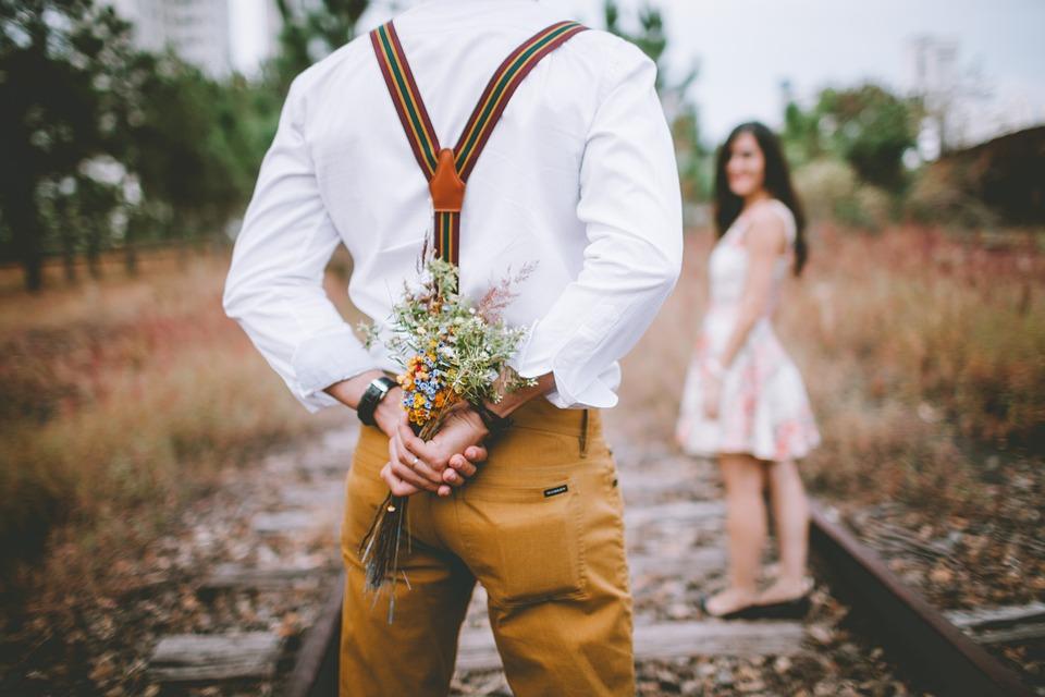 Kytice, Překvapení, Pár, Milenci, Člověk, Žena, Květiny