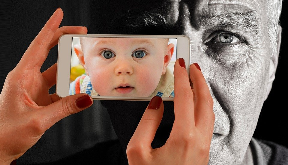 Smartphone face man free photo on pixabay smartphone face man old baby young child youth solutioingenieria Image collections