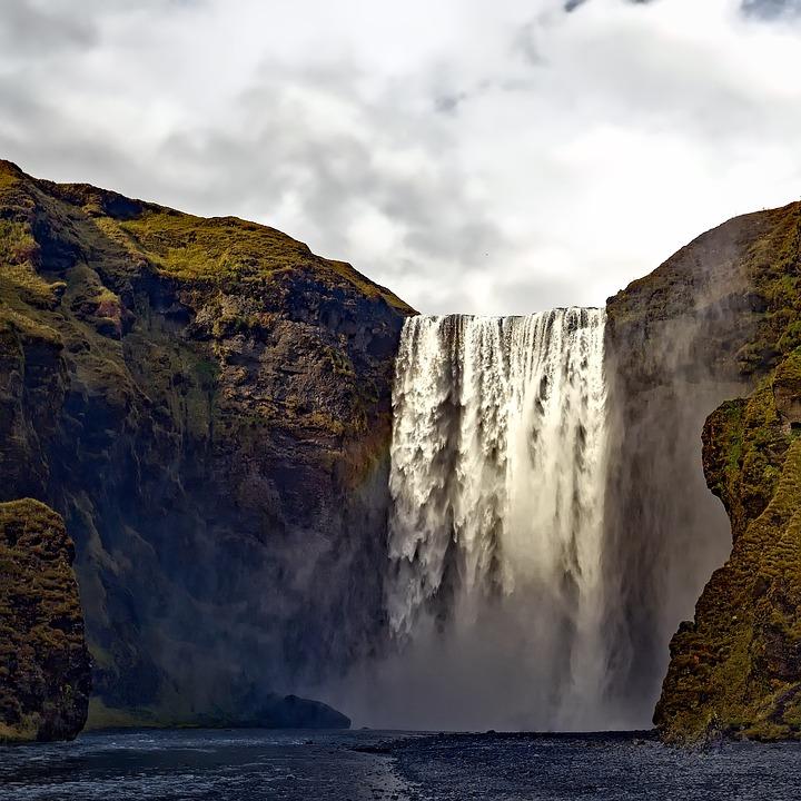Nouveau concours : La chute d'eau (Verrouillé). Iceland-1790985_960_720