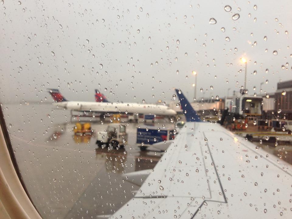 Reizen Vliegtuig Regenachtige Dag Gratis Foto Op Pixabay