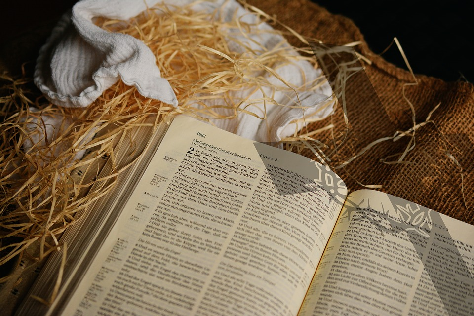 The Christmas Story Bible.Bible Christmas Story Luke 2 Birth Free Photo On Pixabay
