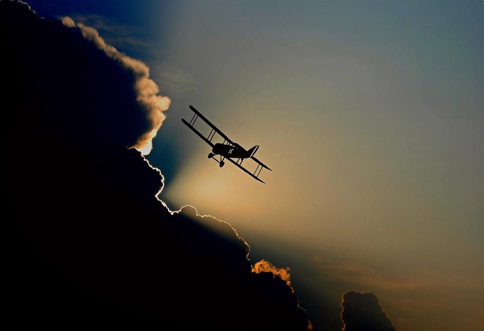 Aéronefs, Double Decker, Avion À Hélices, En Volant