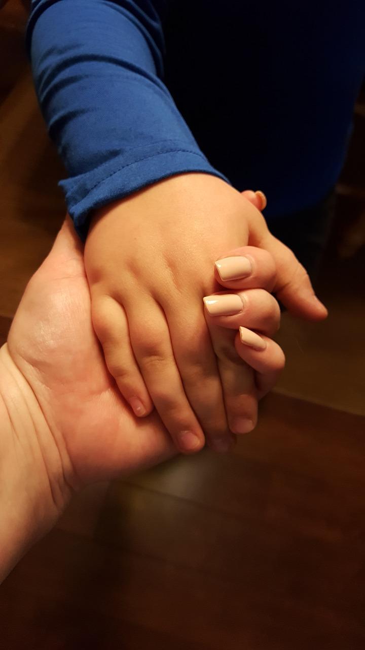 Фото рук мама и ребенок