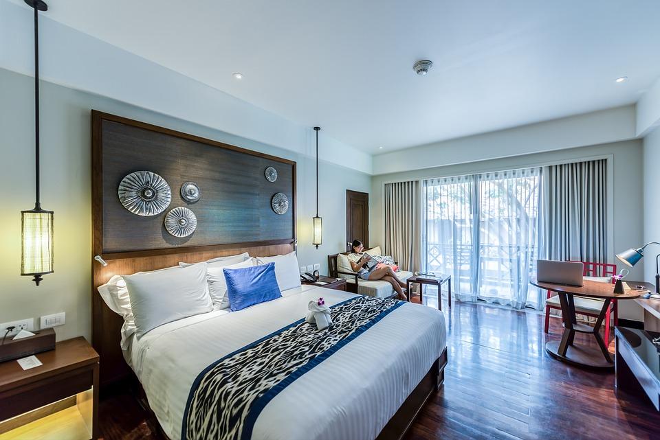アパート, アーキテクチャ, アームチェア, バスルーム, 床, ベッドルーム, キャビネット, 椅子