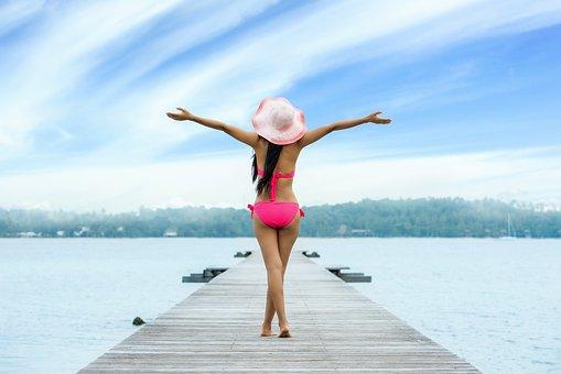 女性, ビキニ, 湖, 遊歩道, 桟橋, 帽子, オープンアーム, 水着, 休暇