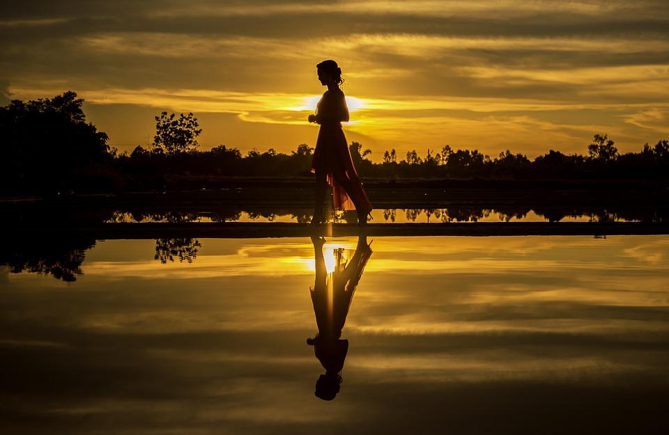 ビーチ, 海岸線, 日の出, 女の子, 人間, 自然, 屋外, シャドウ, シルエット, 地平線, 日光